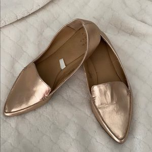 Rose gold pointy flats